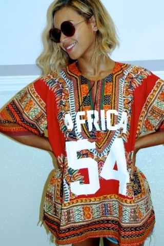 Beyonce' wearing one of his works.